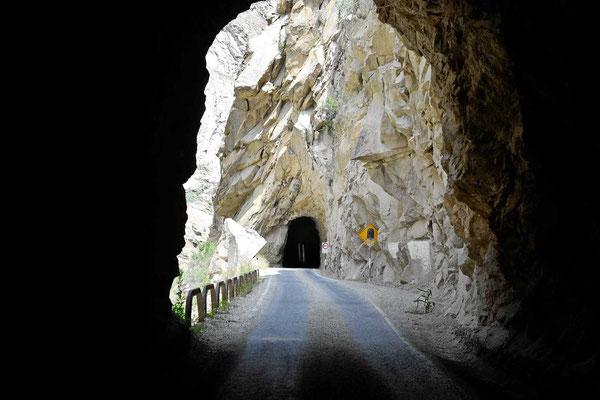 Am Canyon del Pato gibt es insgesamt 35 Tunnel, alle einspurig.