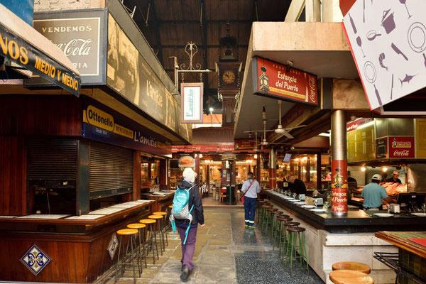 Es gibt mehrere Märkte aus der Zeit Ende des 19. Jahrhunderts, hier der Mercado del Puerto.