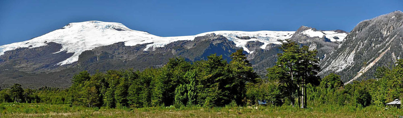 Die Gletscherfelder des Vulkans Michinmahuida.