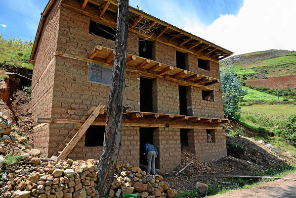 """Auch Lehmhäuser können """"vernünftig"""" gebaut werden. Meistens sind sie aber nur zusammengeschustert."""