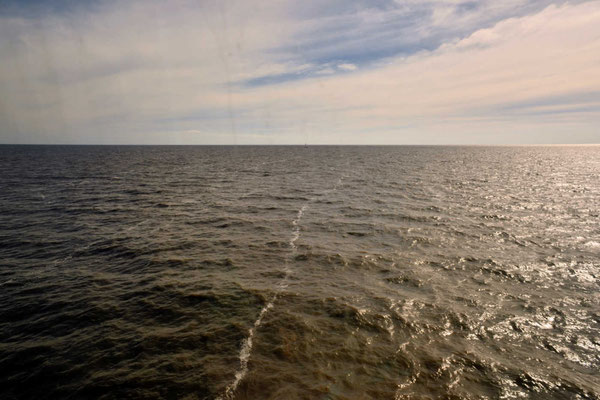 Der Rio de la Plata, endlos breit. Ist man in der Mitte, sieht man an beiden Seiten kein Ufer.