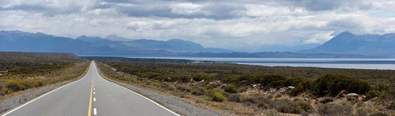 Fahrt entlang des Sees.