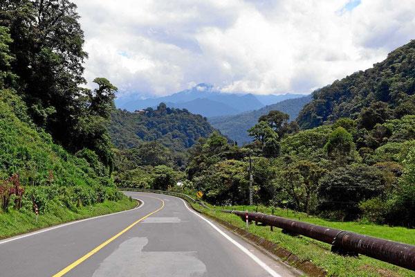Auf der Fahrt entlang des Tals des Quijos.