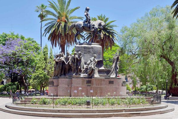 Südamerika liebt die pompösen Denkmäler.