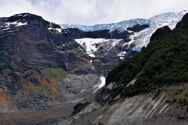 Die Abbruchkante der Gletscher vom Cerro Tronador.