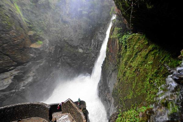 Der Palon de Diablo, ein großer Wasserfall im Pastaza-Tal.