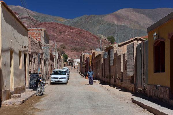 Eine der wenigen Pumamarca-Straßen ohne Touristenläden.