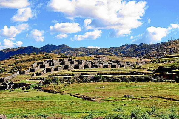 Die Reste der Incafestung Saksaywaman.
