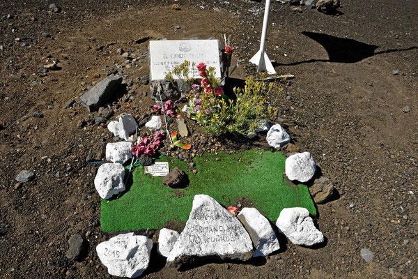 Überall die Grabinschriften, da, wo man die Rekruten gefunden hat.