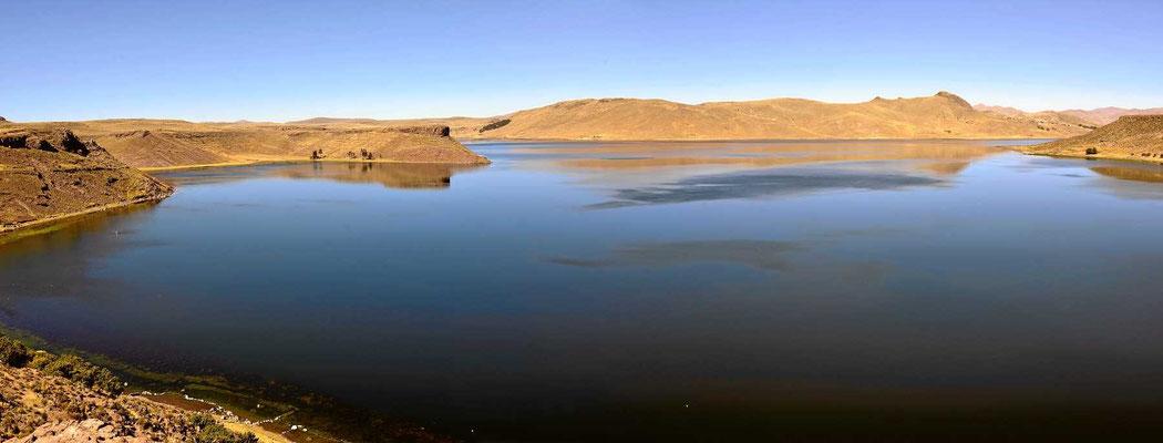 Die Laguna Umayo direkt bei der Begräbnis-Stätte.