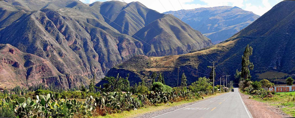 In Richtung Ollantaybambo wird das Tal immer enger.
