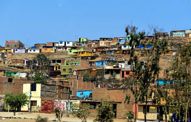 Da wo in Lima Berge sind, sind die Favelas.