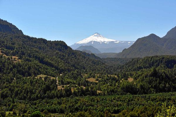 Un immer wieder grüßt der Vulkan Villarrica.
