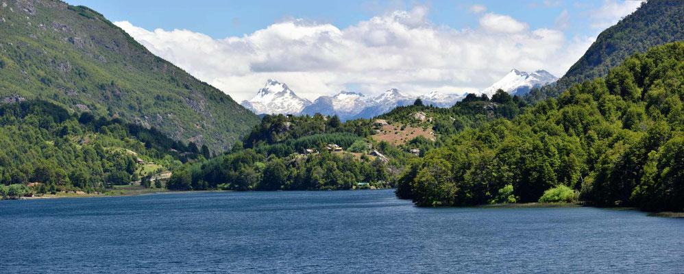 Der Lago Lonconao auf der chilenischen Seite der Grenze.