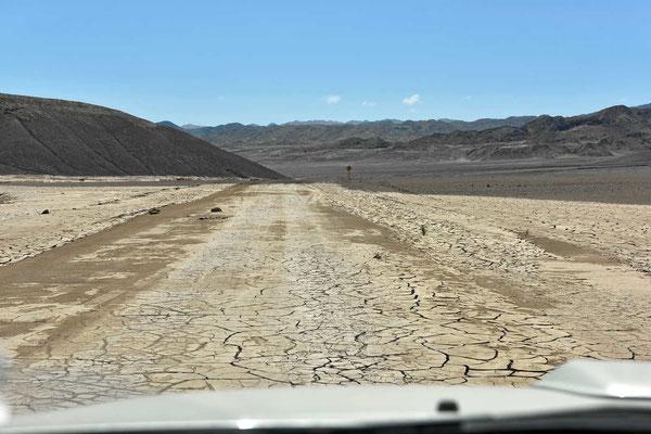 Wir versuchen, über eine Nebenstraße den Nationalpark Pan den Asucar zu erreichen. Leider hat der Märzregen die Straße teilweise weggespült.