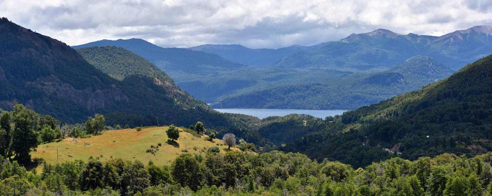 Rückblick auf einen der vielen Seen im Nationalpark Lanin.