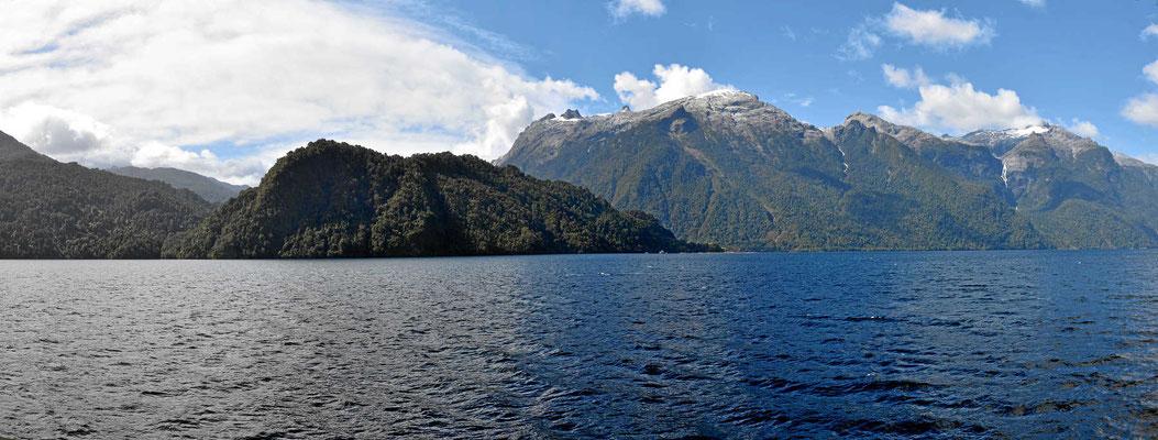Traumfahrt entlang der Fjordküste.