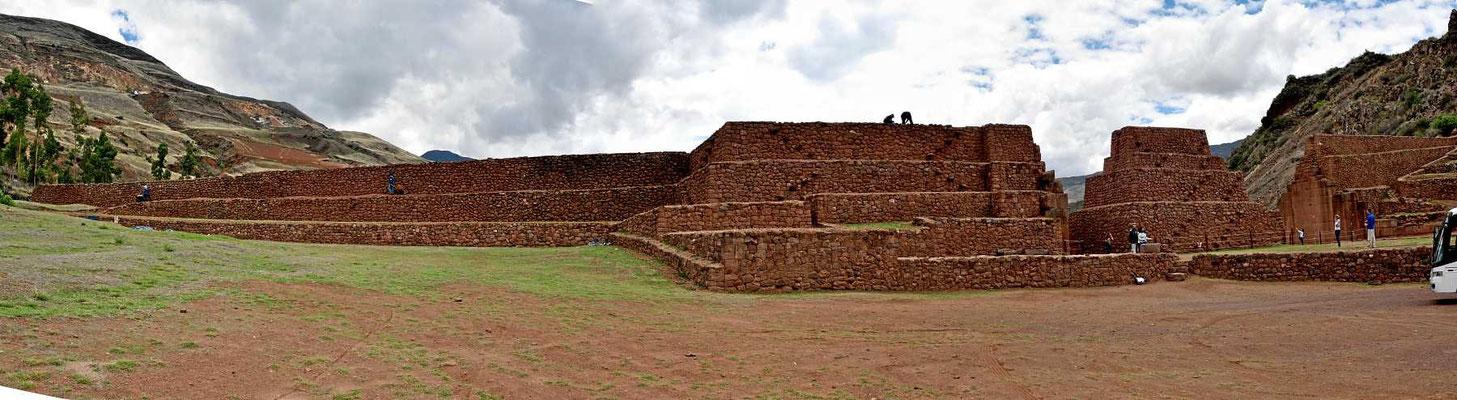 Die Absperrung Picillaqtua südlich von Cusco - eine eindrucksvolle Inca-Festung.