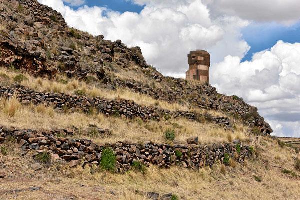 Ein Grabturm von Sillustani aus der Inca-Zeit.