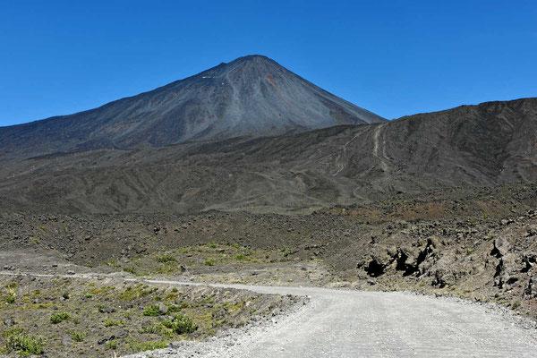 Der Vulkan Antuco, der 1856 unendllich viel Lava ausgespuckt hat.