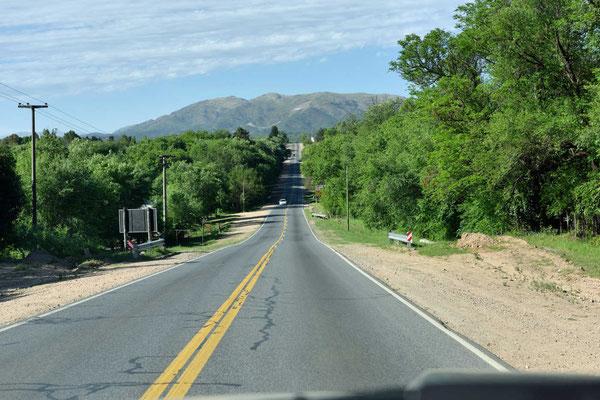 Fahrt durch das grüne Vallee de Punilla.