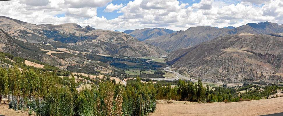 In der Nähe von Cusco werden die Täler tiefer.