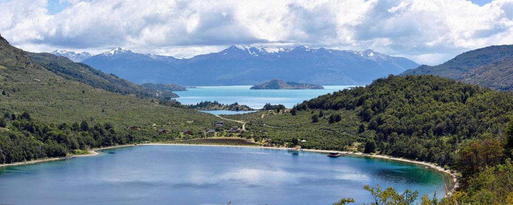 Der Lago Negro und dahinter der Lago General Carrera.