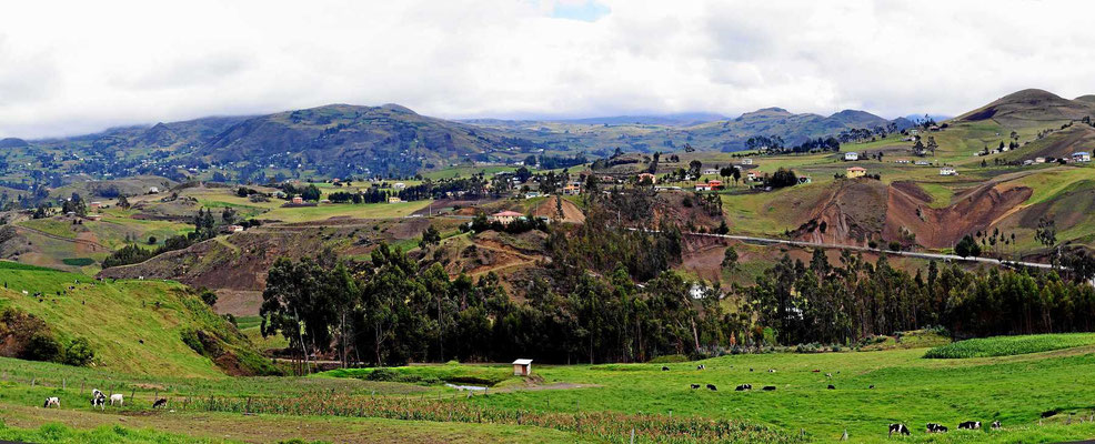 Auf der Fahrt nach Cuenca kommen wir durch wunderschönes Bergland.