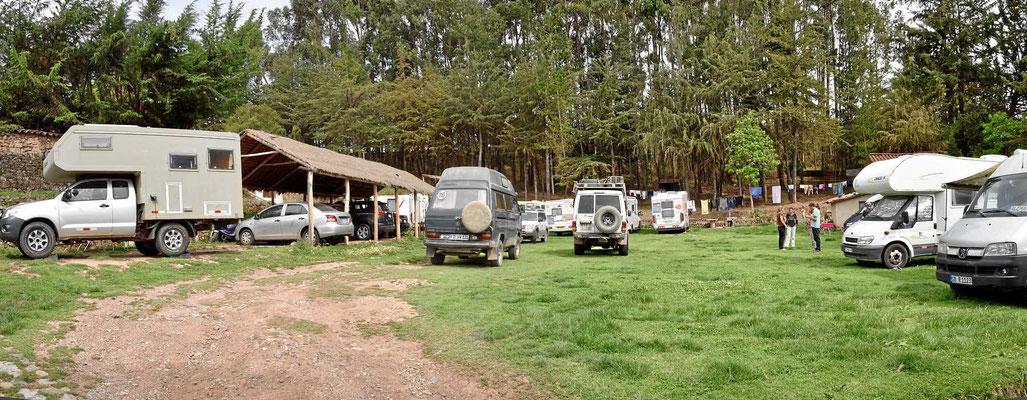 Wir kommen auf den Cusco-Campingplatz Quinta Lala an, er ist ganz schön voll.