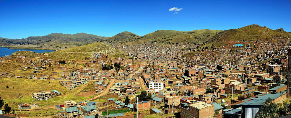 Der Ort Puna am Titicaca-See, hübsch hässlich wie die meisten größeren Ortschaften in Peru.