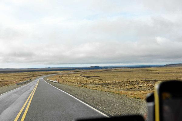 Die Ruta 3 auf dem Weg nach Norden. Hier wohnt fast niemand.