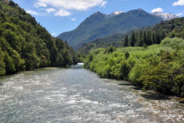 Der Rio Futaleufu an der Grenze zu Chile.