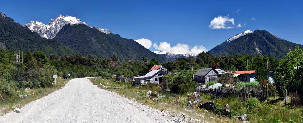Durch das Tal des Rio Futaleufu iin Richtung Carretera Austral.