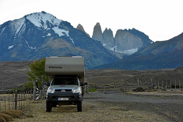 Unser Stellplatz vor den drei Torres.
