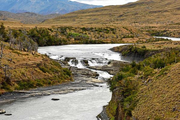 Die Wasserfälle am Rio Paine.
