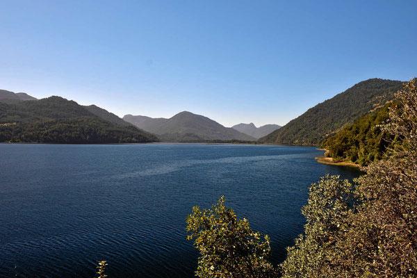 Der See Netume, aber auch hier sind alle Zugänge versperrt.
