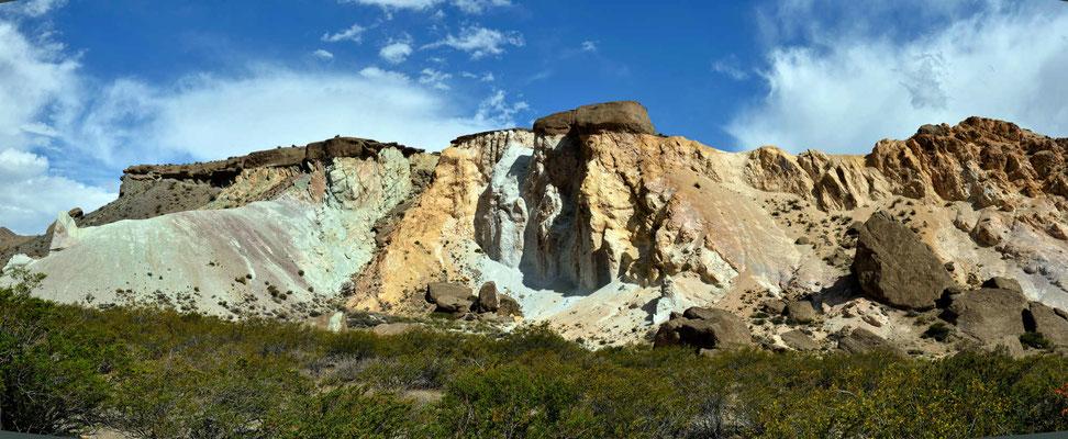 Faszinierende Farben der Felsen.