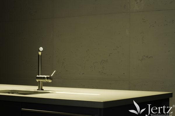 Küchenwandgestaltung mit TORINO BETON