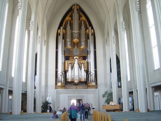 Kirchenorgel 15 m hoch, 25 tonnen scher in der Hallgrimskirche.
