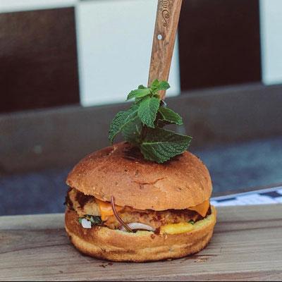 «Foodathome», Finalist bei «Local Hero», liefert Zutaten für vegane Burger.