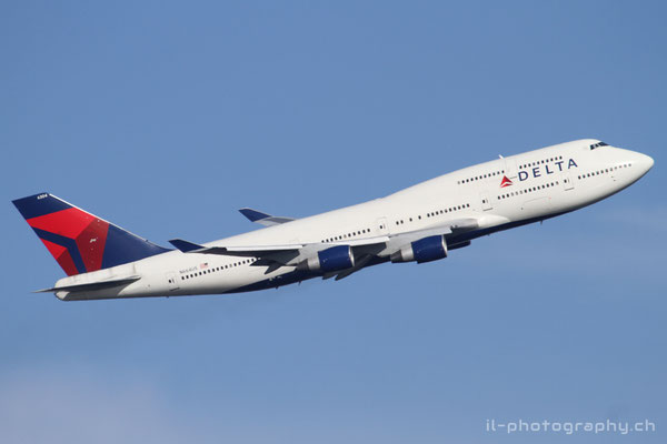 Boeing B747-400, Delta Airlines, N664US
