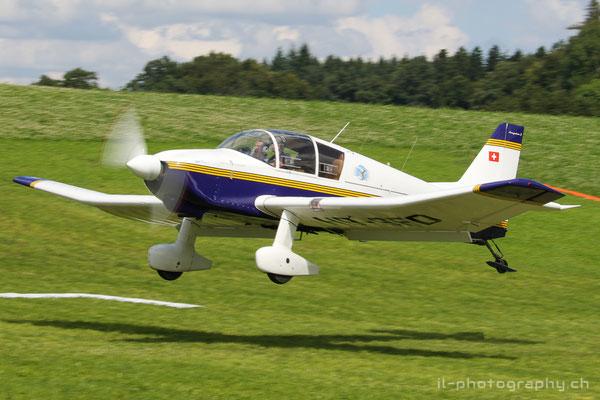 Jodel, Vans RV-7 und Piper Cub am FlyIn auf dem Flugplatz Fillistorf.