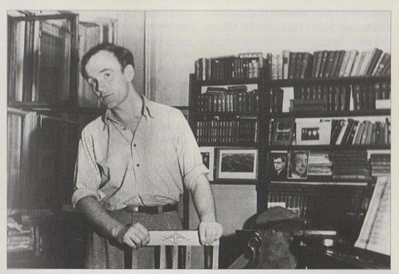 Рихтер в квартире Г.Г.Нейгауза на Земляном валу. Конец 30-х.