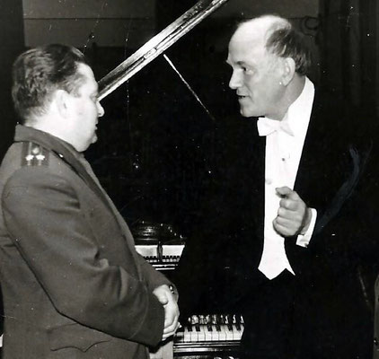 Sviatoslav Richter with Gregory Freylekhman (from Zhsitomir). Minsk, 60-th.