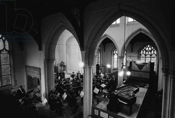 Richter and Britten Mozart Concerto No.27, Aldeburgh Festival, The Blythburgh church, 16-06-1965