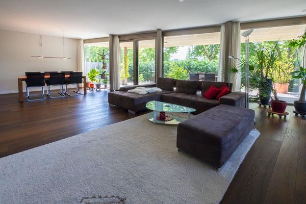 Wohnzimmer, Küche & Gang - 4.5 Zimmer Wohnung in Brugg zu vermieten
