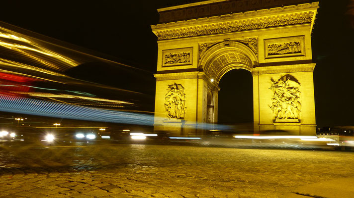 Arc de Triomphe by night