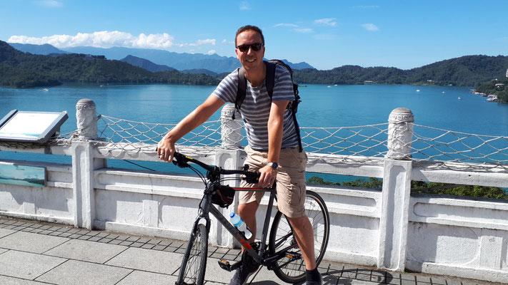 Op de fiets langs het meer
