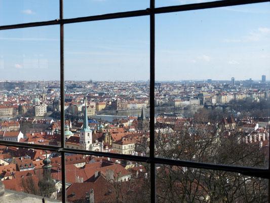 uitzicht over Praag vanuit Koninklijk paleis