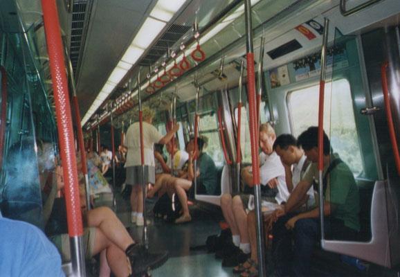 In de metro naar Hong Kong